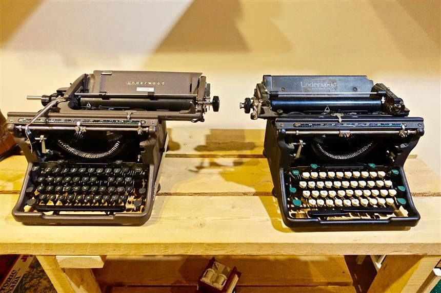 Typewriters; pexels.com