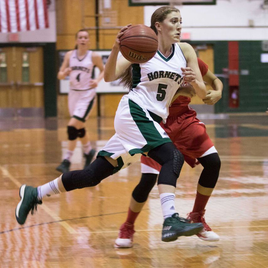 Brittany Bove driving to the basket