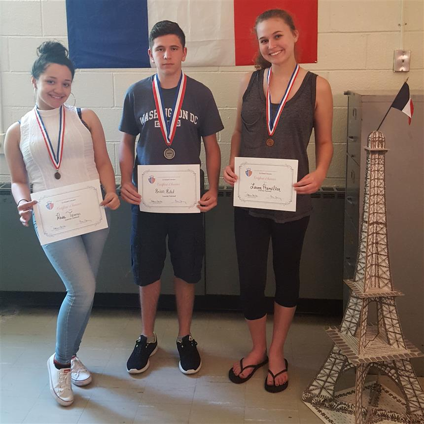 13 French Students Recieve Awards in National French Contest