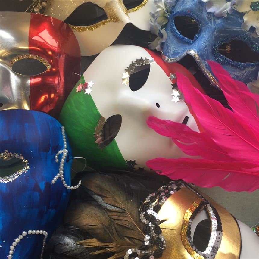 Italian Classes Create Love Letters and Carnevale Masks